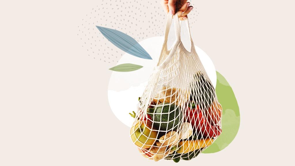 Plastikfrei einkaufen: Um den Verpackungsmüll in Deutschland zu reduzieren, kann jeder einen Teil beitragen, z.B. indem man Obst und Gemüse unverpackt auf dem Wochenmarkt einkauft.