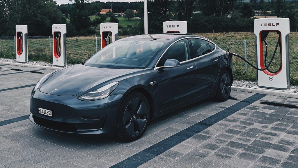 E-Mobilität am Beispiel Tesla